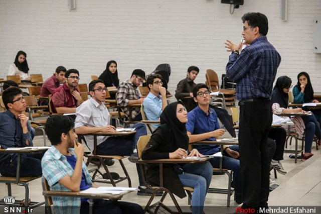 خواجهلو: آییننامه ارتقای اساتید بر اساس زیر نظامهای آموزشی تدوین شود  / استاد نارس ارتقای زود رس