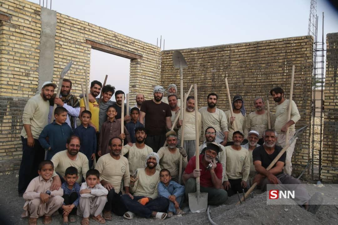 خدمات رسانی اردوی تابستانه گروه جهادی راهیان شهادت / از ساخت دو مدرسه تا شیعه شدن زنان در استان سیستان و بلوچستان