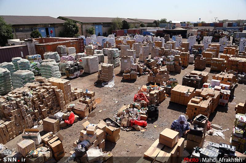 تکماده دژپسند در مبارزه با قاچاق!/ چرا در وزارت اقتصاد عزمی برای مقابله با قاچاق نیست؟