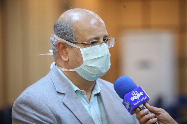 در تهران با خوشههای ابتلای خانوادگی به کرونا مواجه هستیم  ۴۲ درصد بیماران بدحال کرونایی کشور در تهران هستند