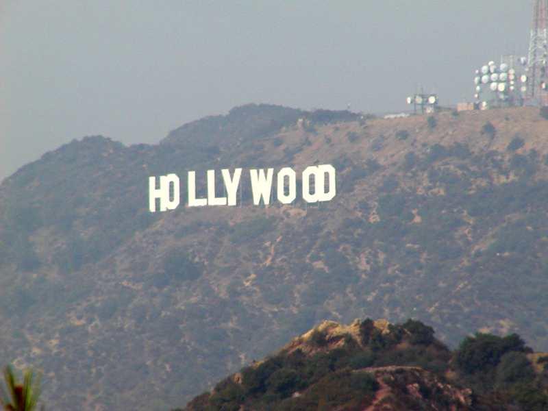 سینمای آمریکا بزرگترین دستگاه تبلیغاتی عادیسازی ترور