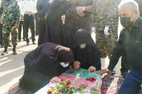 تشییع و تدفین پیکرهای ۳ شهید دفاع مقدس در دزفول