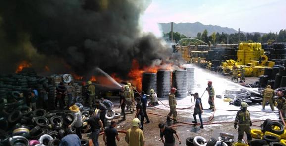 آتشسوزی گسترده بارانداز 50 هزار متری کالا در مشیریه