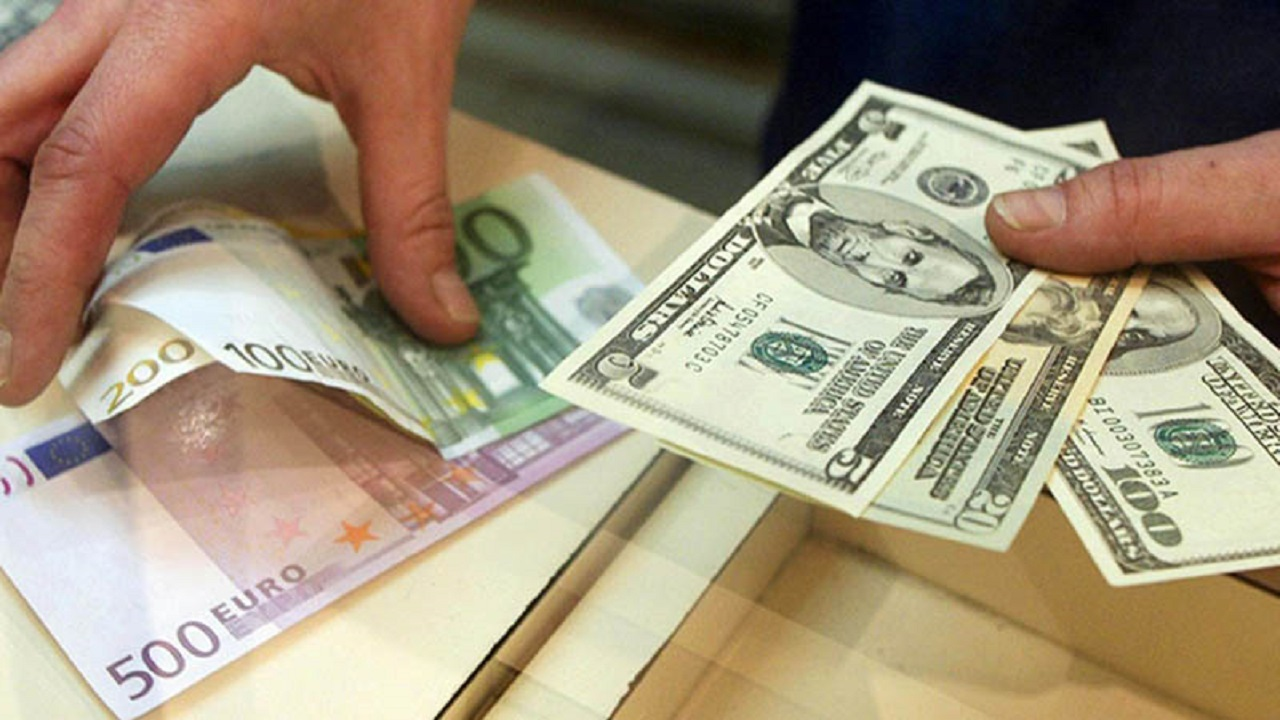 دلار در کانال 20 هزاری باقی ماند