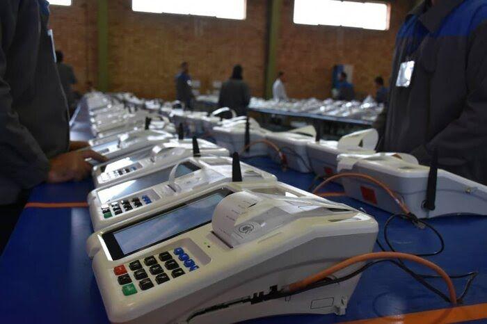 کرونا چه تفاوتهایی را برای برگزاری انتخابات 1400 رقم زده؟ / وزارت کشور امکان برگزاری الکترونیکِ انتخابات شوراها را دارد؟