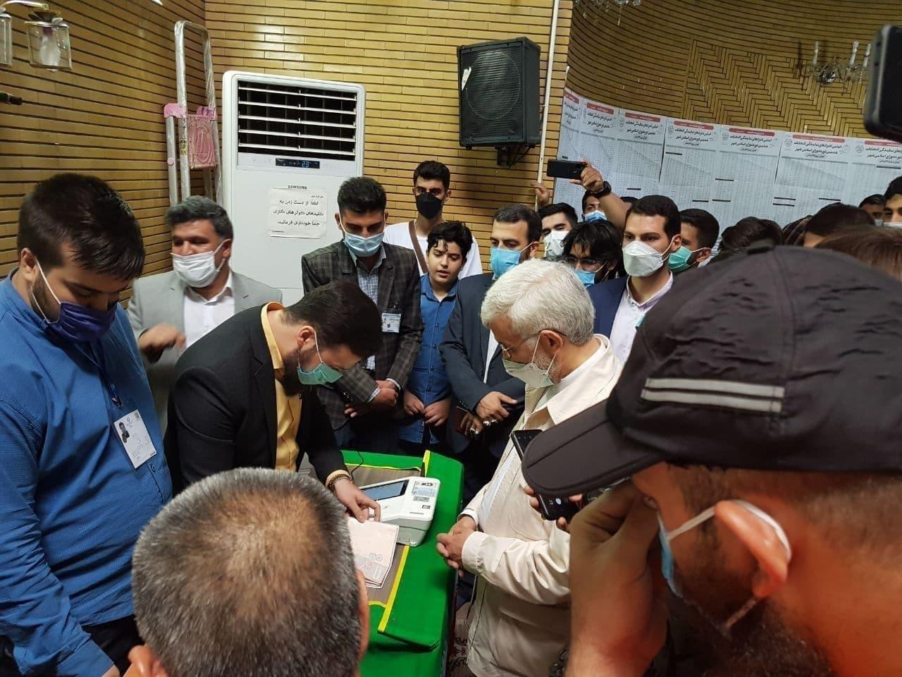 وزیر کشور: در هیچ شعبهای فرآیند رأیگیری متوقف نشده است / قالیباف: ریشه مشکلات سوء مدیریت است نه اعتبار / روحانی: حتی یک مورد ناامنی از انتخابات نداشتیم