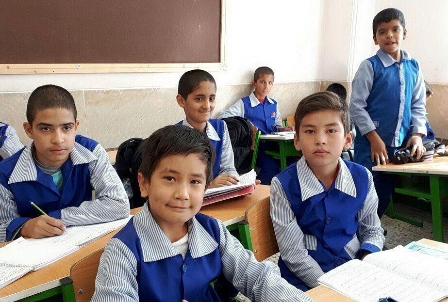 درخواست تشکل های دانشجویی از وزیر آموزش و پرورش برای رفع موانع ثبت نام دانش آموزان افغانستانی