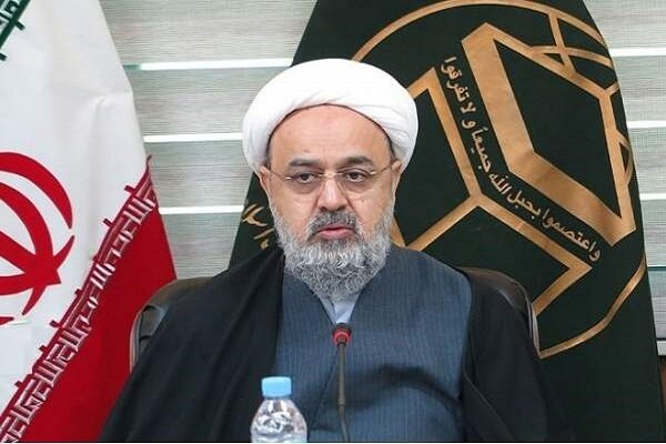 ما باید بر روی نقشه استکبار در ایجاد تفرقه و جنگ در جهان اسلام متمرکز شویم