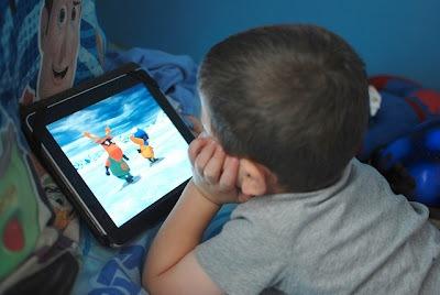 کارتون؛ یک شمشیر دو لبه /کودکی گرهخورده با انیمیشن /سود و زیان انیمیشن برای کودک