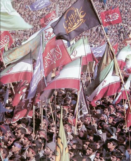 عکسی از اعزام ۱۰۰ هزار نفری سپاه محمد (ص) در سال ۱۳۶۵