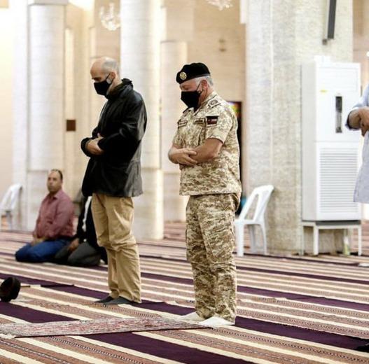 عبدالله دوم مبدع کلید واژه «هلال شیعی» با هدف ایران هراسی بود. وی پیش از سفر به عراق در اقدامی نادر به زیارت حرم حضرت جعفر بن ابوطالب (برادر امیرالمومنین علیه السلام) رفت!